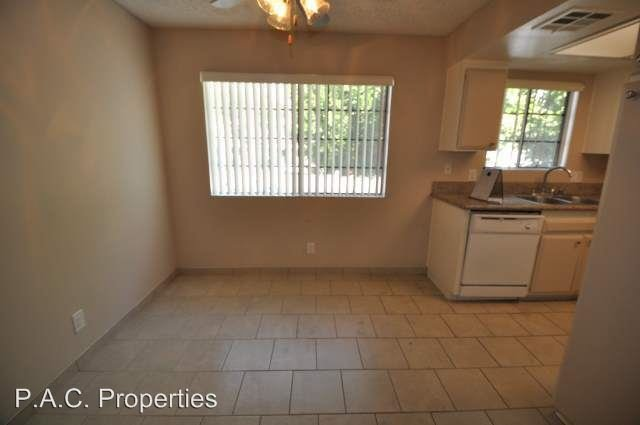 2 Bedrooms 2 Bathrooms Apartment for rent at 12142-50 Oxnard St in Valley Village, CA