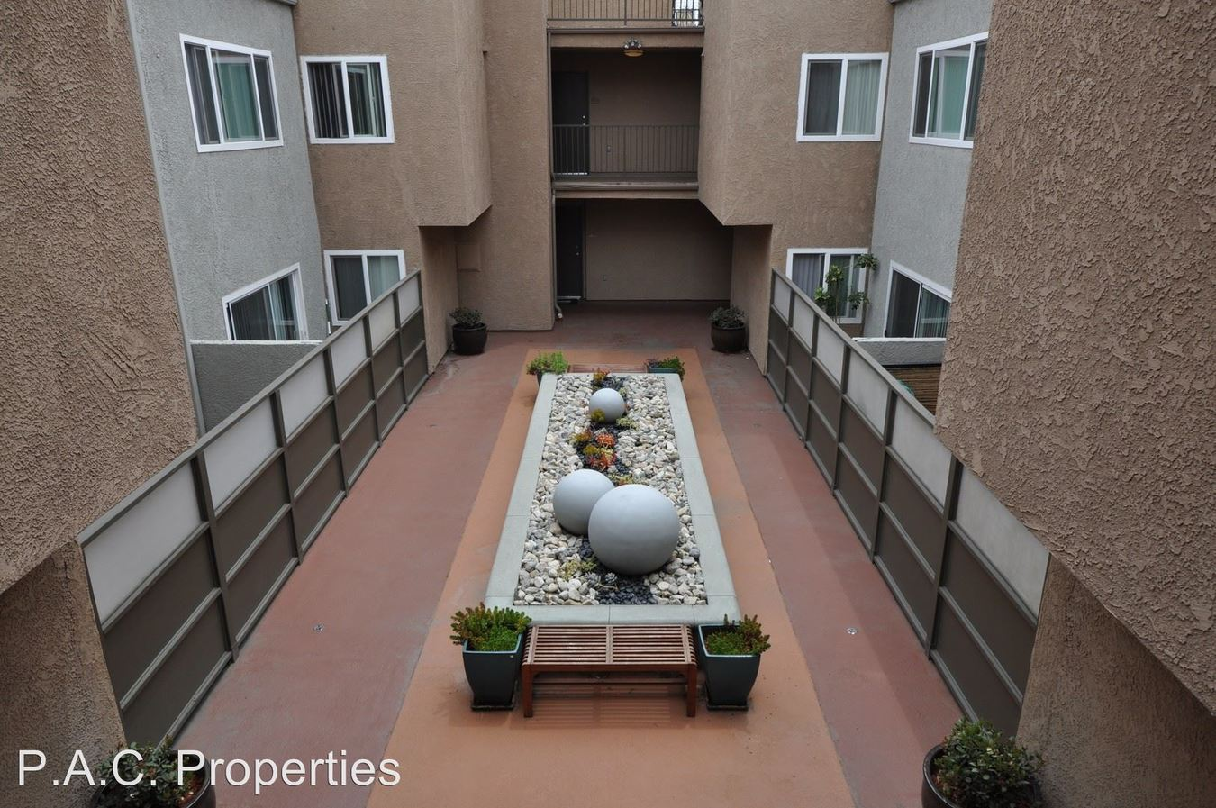 2 Bedrooms 2 Bathrooms Apartment for rent at 11035 Otsego Street in North Hollywood, CA