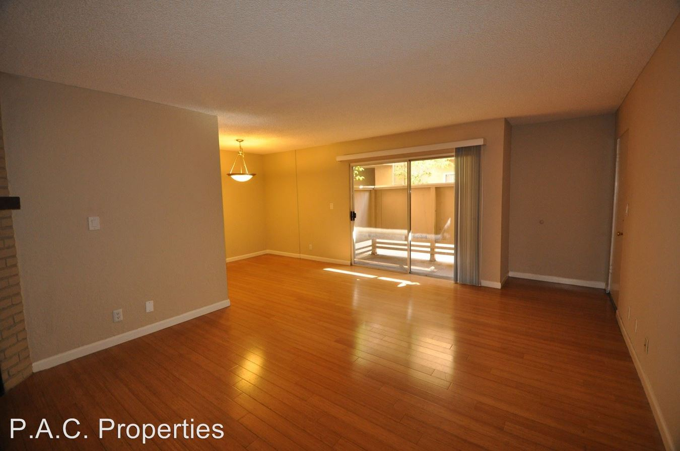 1 Bedroom 1 Bathroom Apartment for rent at 11045 La Maida Street in North Hollywood, CA