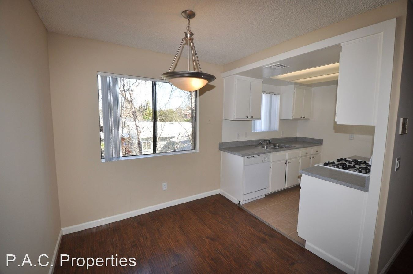 1 Bedroom 1 Bathroom Apartment for rent at 12338 Oxnard Street in North Hollywood, CA