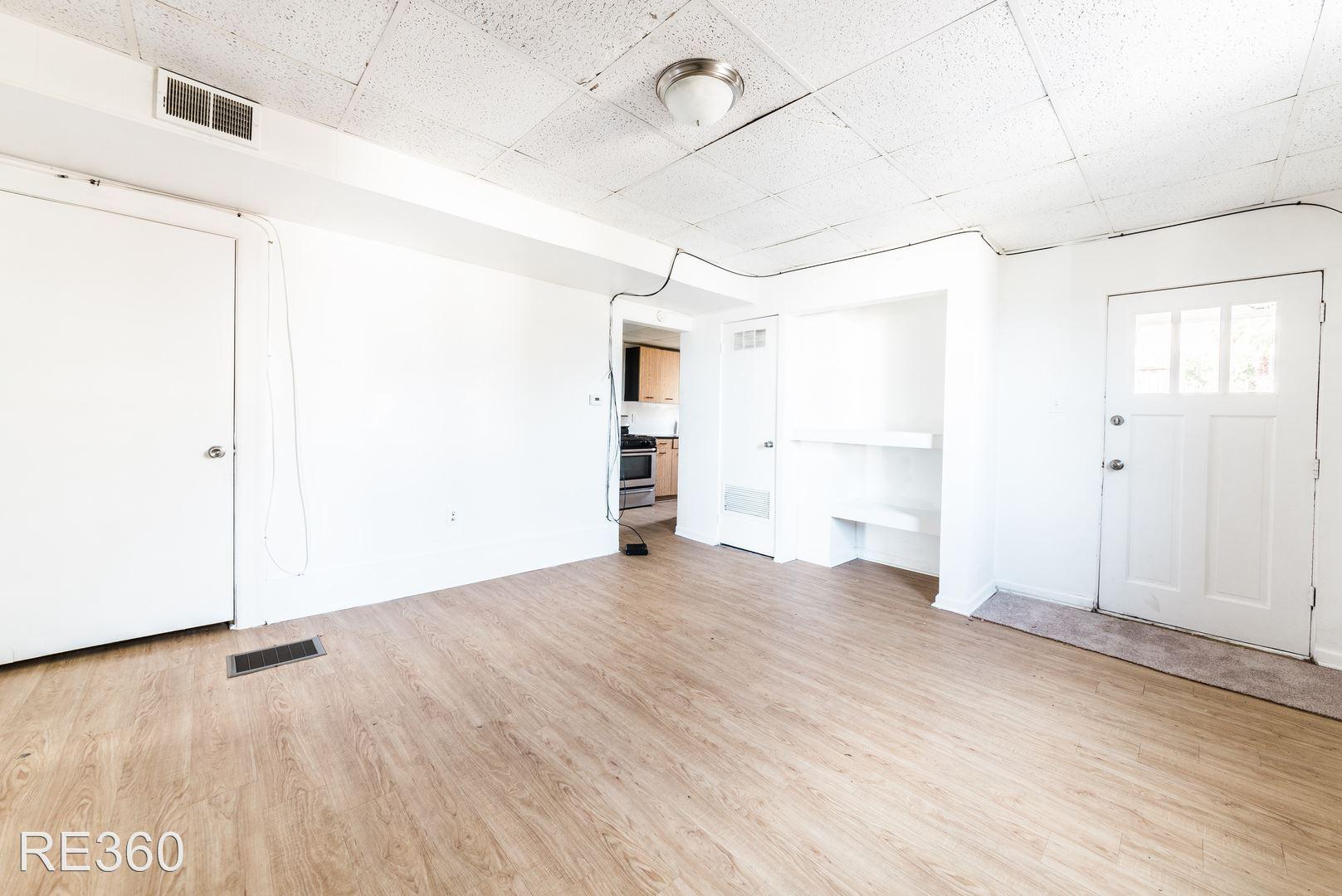 Similar Apartment at 1126 Arlington Ave