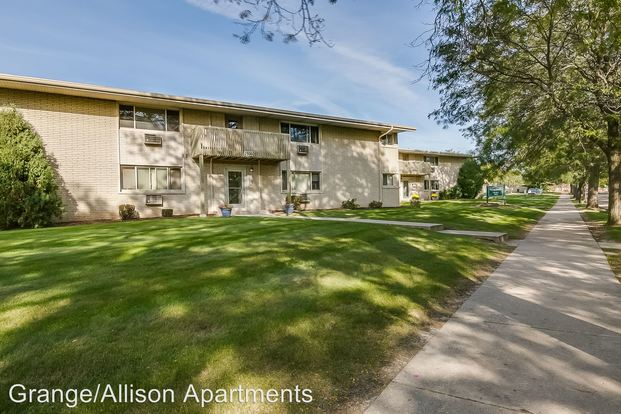 2 Bedrooms 1 Bathroom Apartment for rent at 2940 e Allison Ave in Cudahy, WI