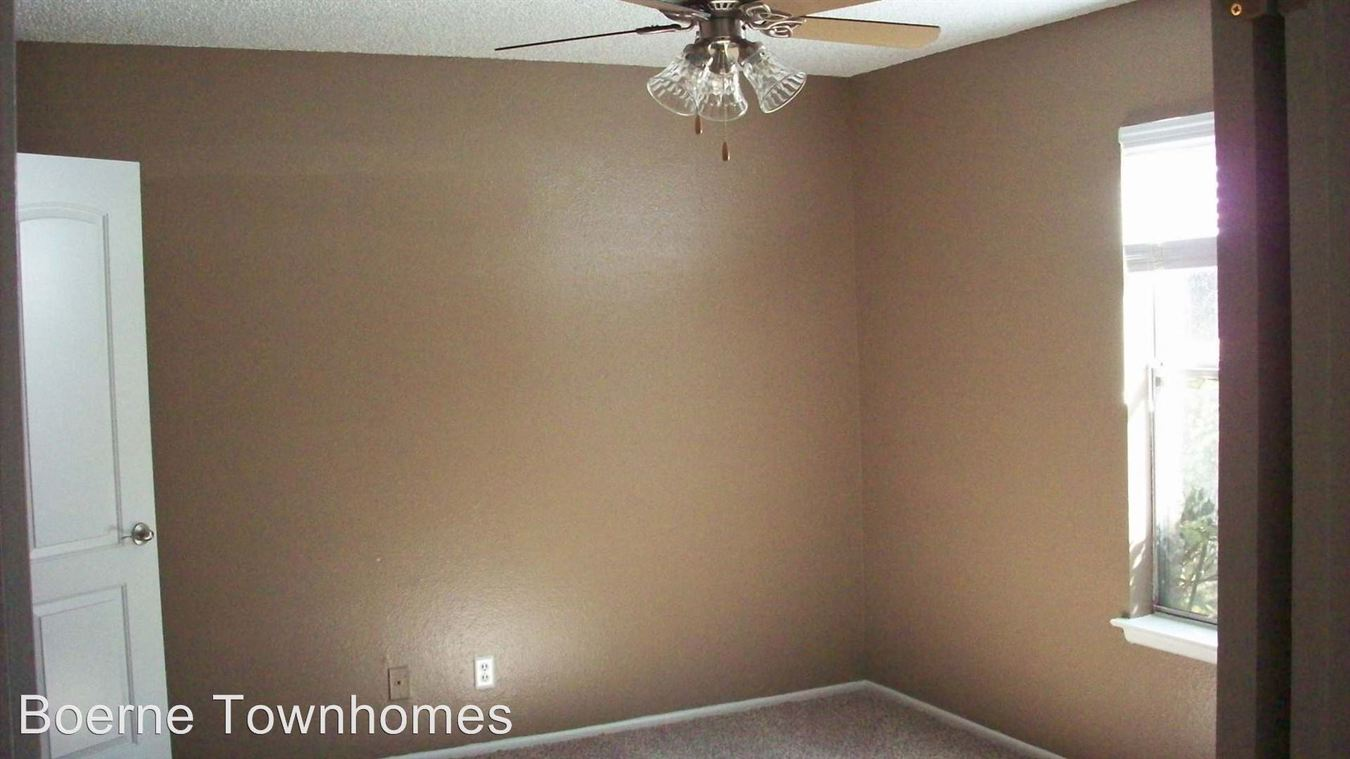 1 Bedroom 1 Bathroom Apartment for rent at 116 Bentwood Drive in Boerne, TX