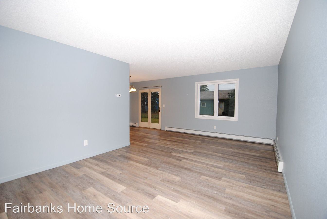 3 Bedrooms 1 Bathroom Apartment for rent at 4922/4924 Princeton Drive in Fairbanks, AK