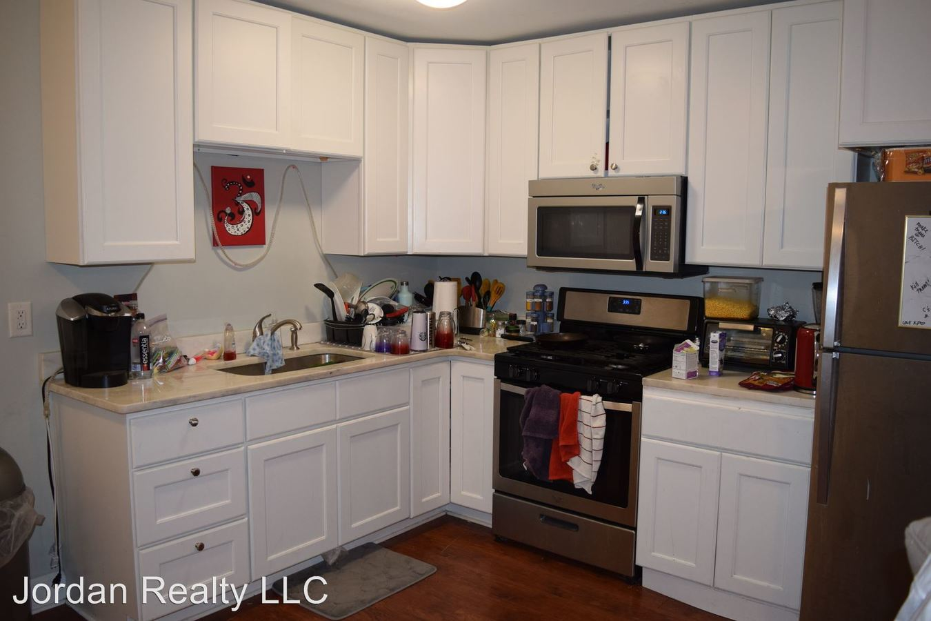 3 Bedrooms 2 Bathrooms Apartment for rent at 67 South Street in Charleston, SC