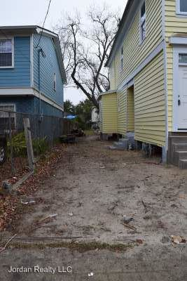3 Bedrooms 1 Bathroom Apartment for rent at 22 Blake Street in Charleston, SC