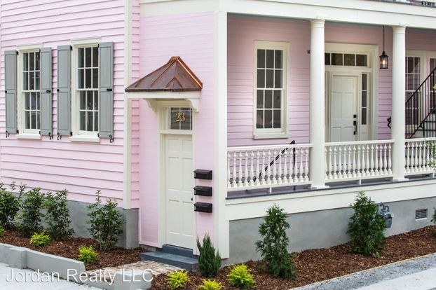 4 Bedrooms 2 Bathrooms Apartment for rent at 23 Amherst Street in Charleston, SC