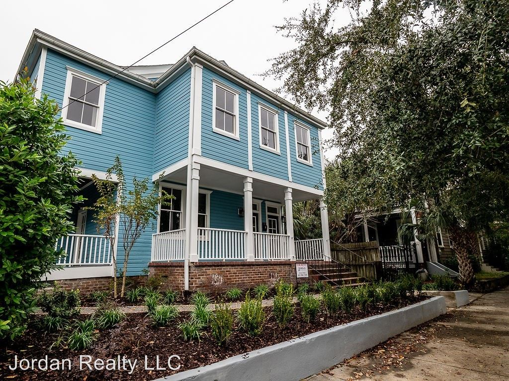 4 Bedrooms 3 Bathrooms Apartment for rent at 42 Carolina Street in Charleston, SC