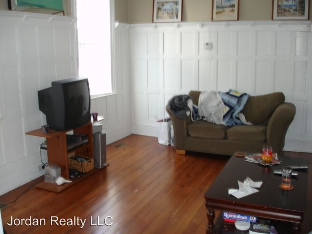 4 Bedrooms 3 Bathrooms Apartment for rent at 229 Rutledge Avenue in Charleston, SC