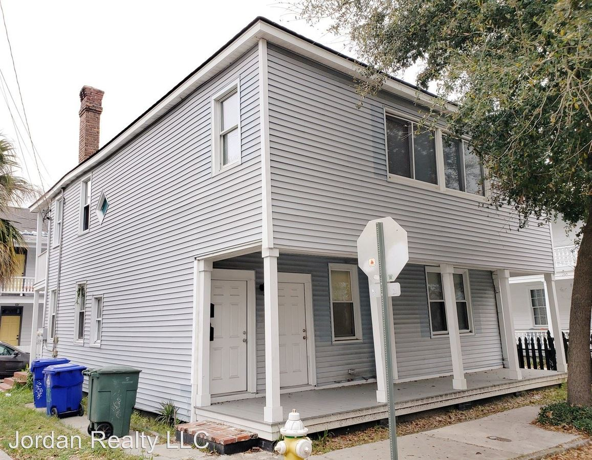 3 Bedrooms 1 Bathroom Apartment for rent at 40 Bogard Street in Charleston, SC