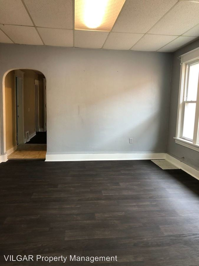 3 Bedrooms 1 Bathroom Apartment for rent at 3708 Ivy St in East Chicago, IN