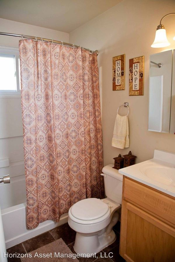 2 Bedrooms 1 Bathroom Apartment for rent at 3058 A Allegheny Avenue in Columbus, OH