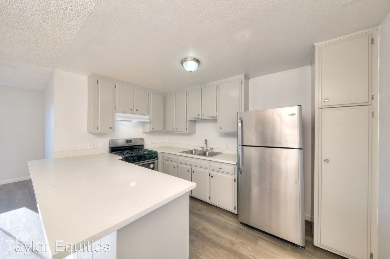 2 Bedrooms 1 Bathroom Apartment for rent at 829 N Bunker Hill in Los Angeles, CA