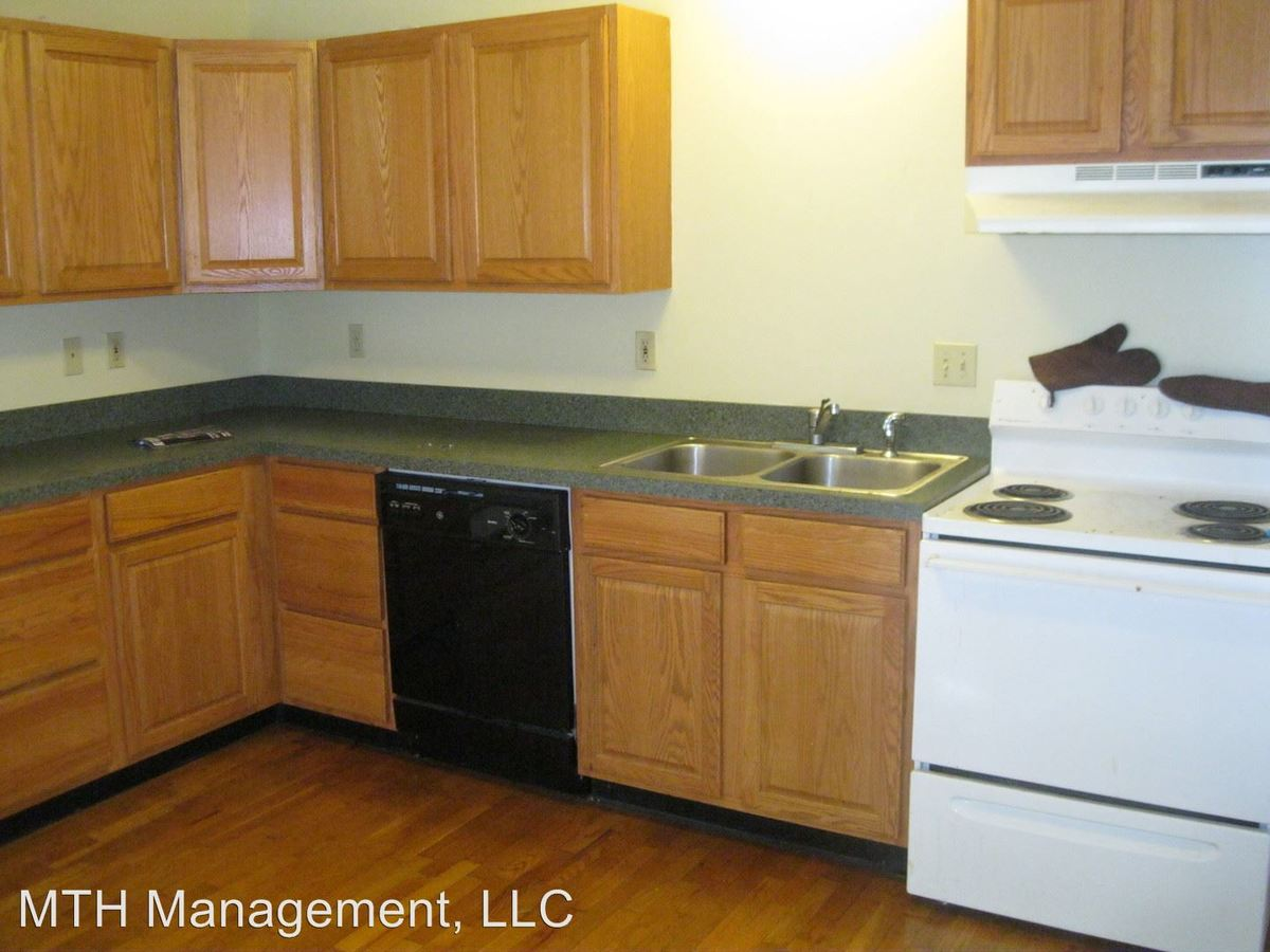 1 Bedroom 1 Bathroom Apartment for rent at 1410 Old Canton Lane in East Lansing, MI