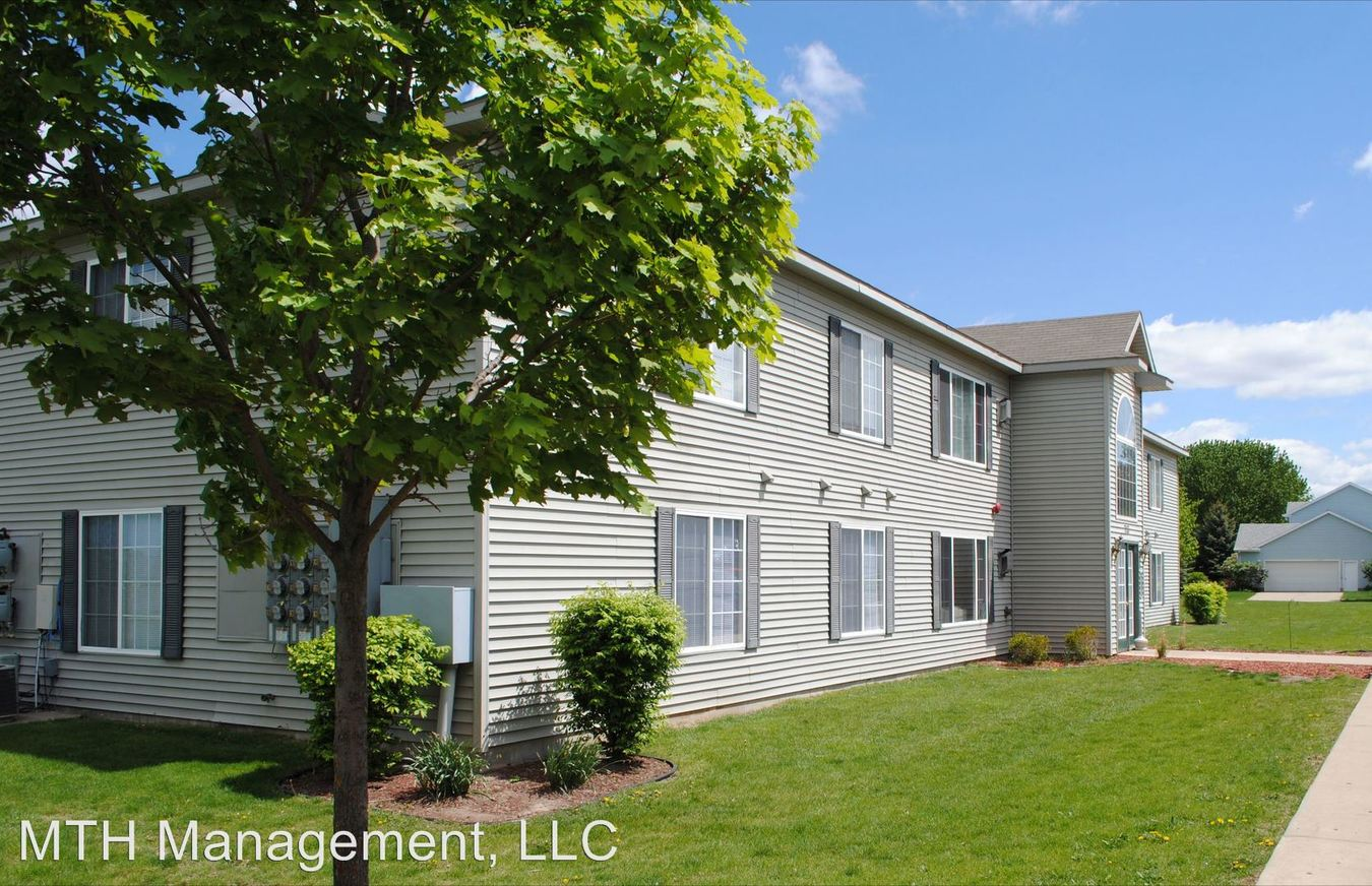 2 Bedrooms 2 Bathrooms Apartment for rent at 713 E. Gibbs in St Johns, MI