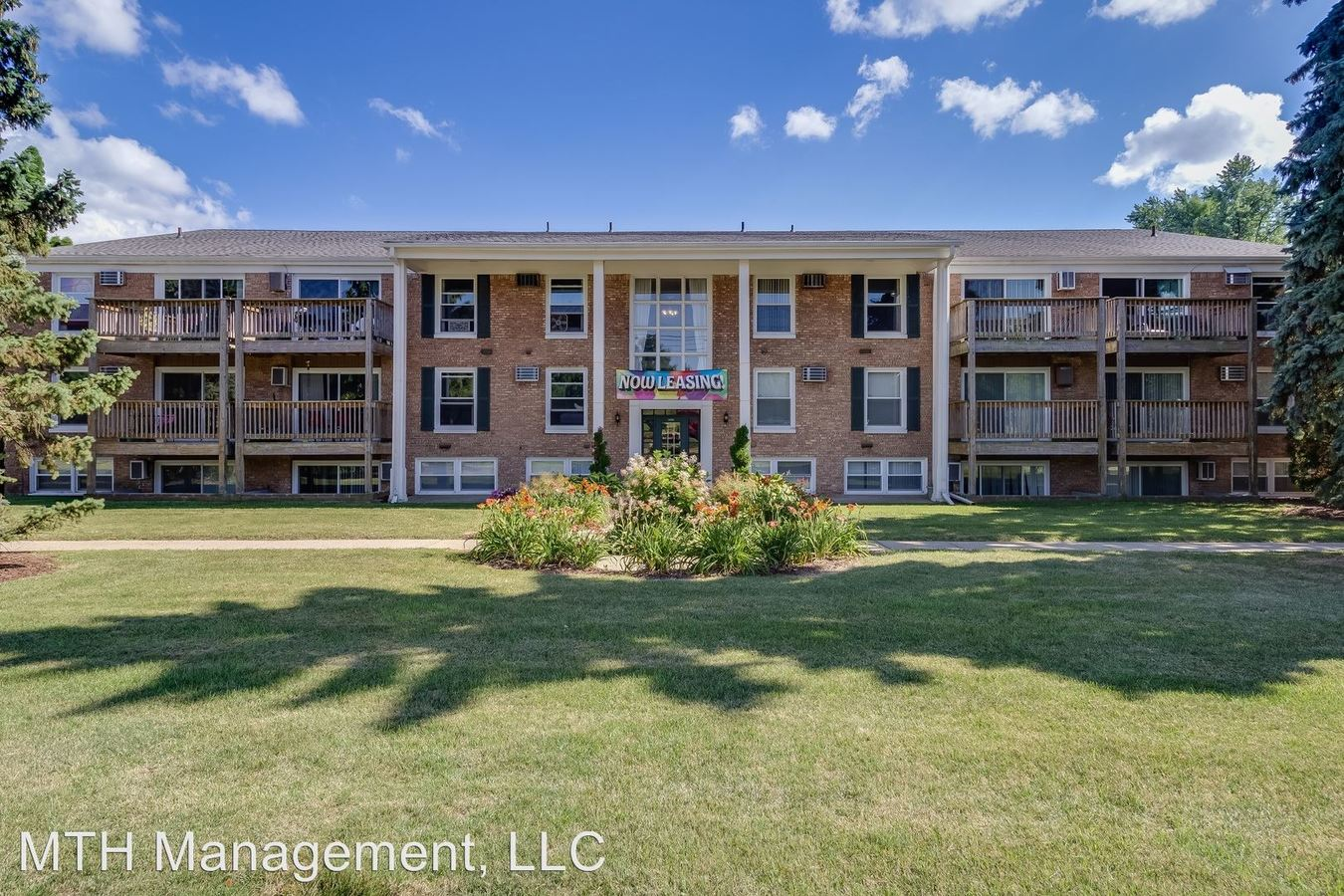 2 Bedrooms 1 Bathroom Apartment for rent at Hull Apartments in East Lansing, MI