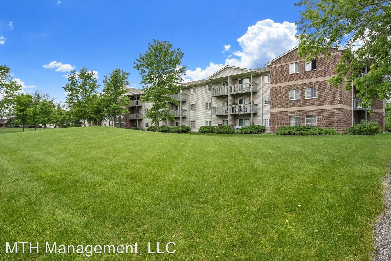 1 Bedroom 1 Bathroom Apartment for rent at Twin Oaks Meadows- Senior Apartments in Lansing, MI