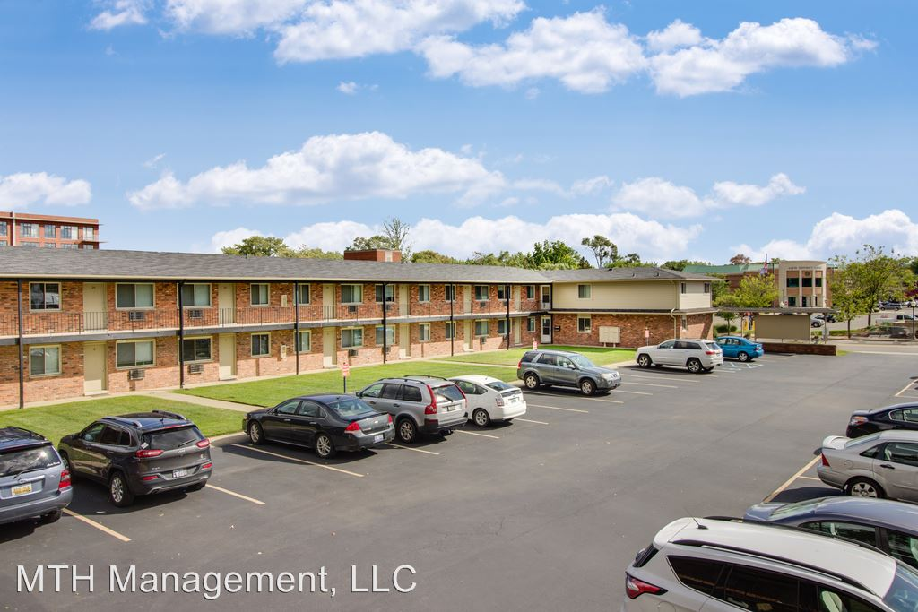 3 Bedrooms 1 Bathroom Apartment for rent at Avenue Eleven in Royal Oak, MI