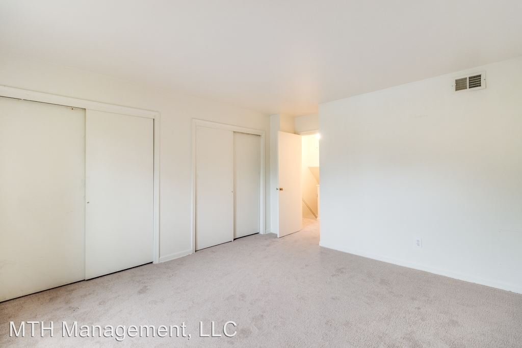 2 Bedrooms 1 Bathroom Apartment for rent at Jamestown Apartment And Townhomes in Toledo, OH