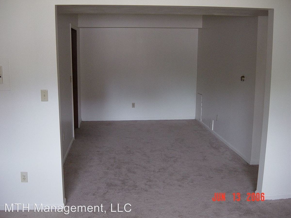 1 Bedroom 1 Bathroom Apartment for rent at Whispering Pines Apartments in Grand Ledge, MI