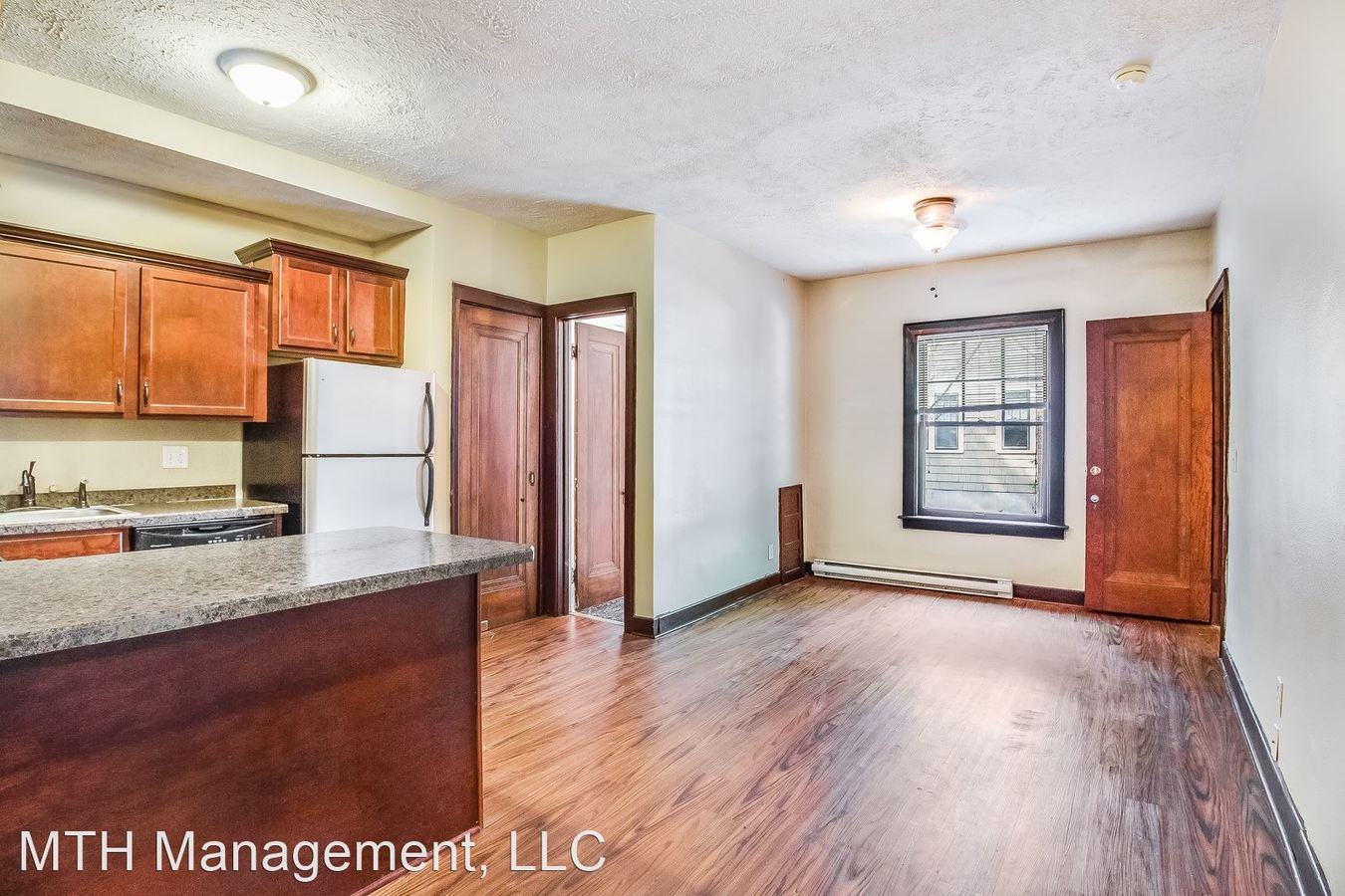 2 Bedrooms 1 Bathroom Apartment for rent at 427 Grove St in East Lansing, MI
