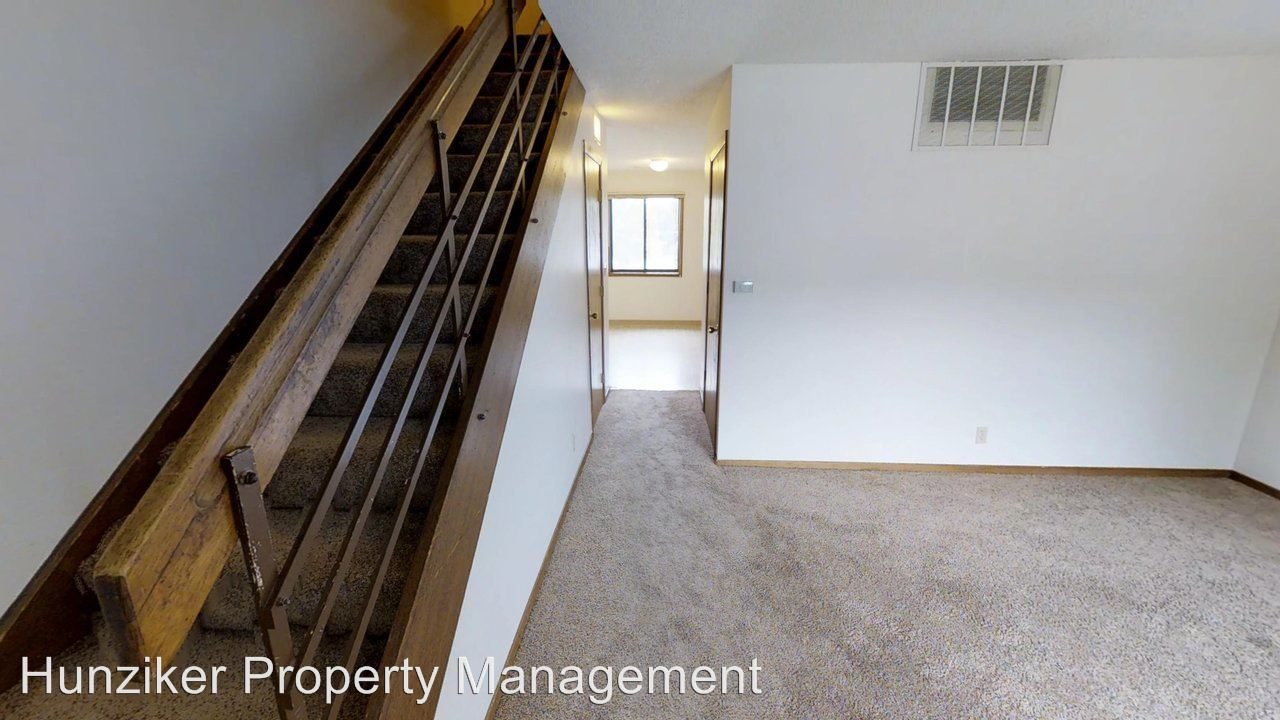 3 Bedrooms 1 Bathroom Apartment for rent at 210 S. Hyland in Ames, IA