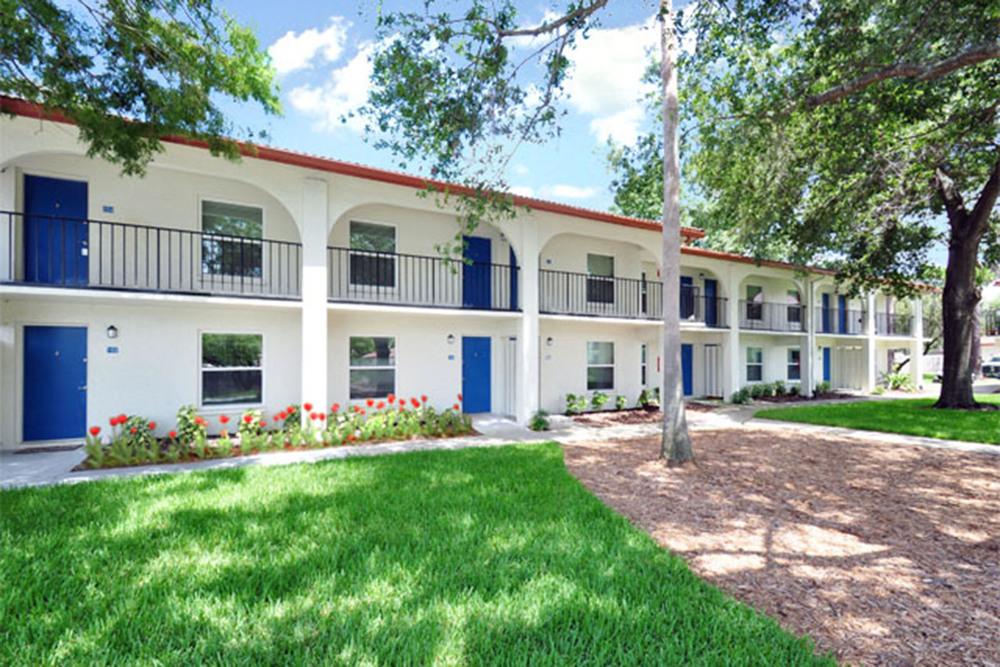 University Lake Apartments Tampa See Pics Avail