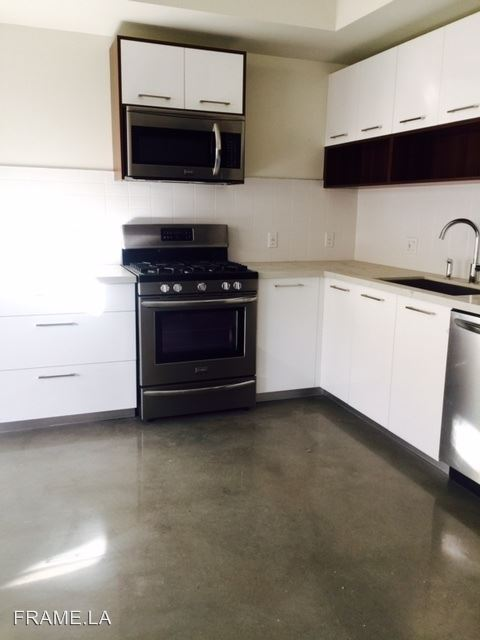 1 Bedroom 1 Bathroom Apartment for rent at 733 N Hudson Avenue in Hollywood, CA