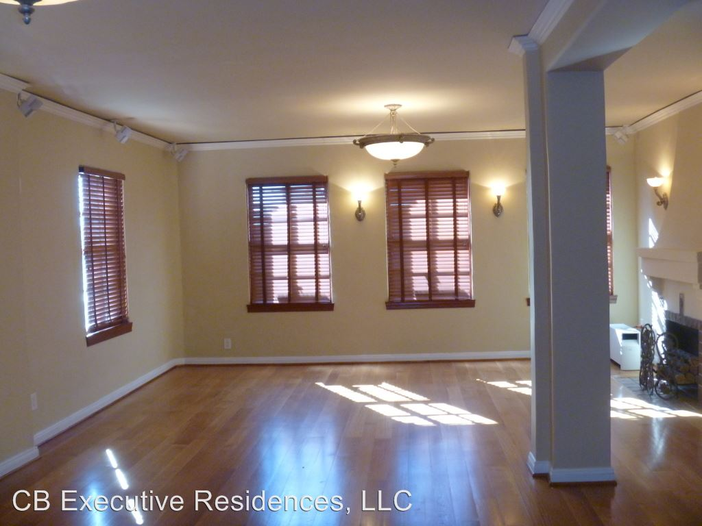 2 Bedrooms 2 Bathrooms Apartment for rent at 229 W. 6th Street in Long Beach, CA