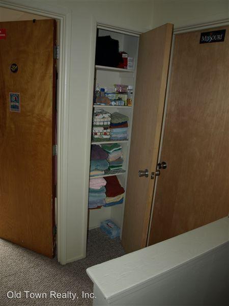 2 Bedrooms 1 Bathroom Apartment for rent at 526 Linden in Ann Arbor, MI