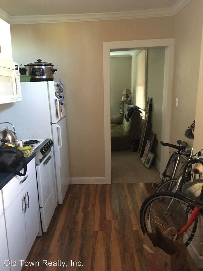 Studio 1 Bathroom Apartment for rent at 609 Lawrence in Ann Arbor, MI