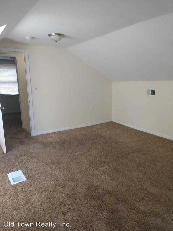 6 Bedrooms 2 Bathrooms Apartment for rent at 903 Dewey in Ann Arbor, MI