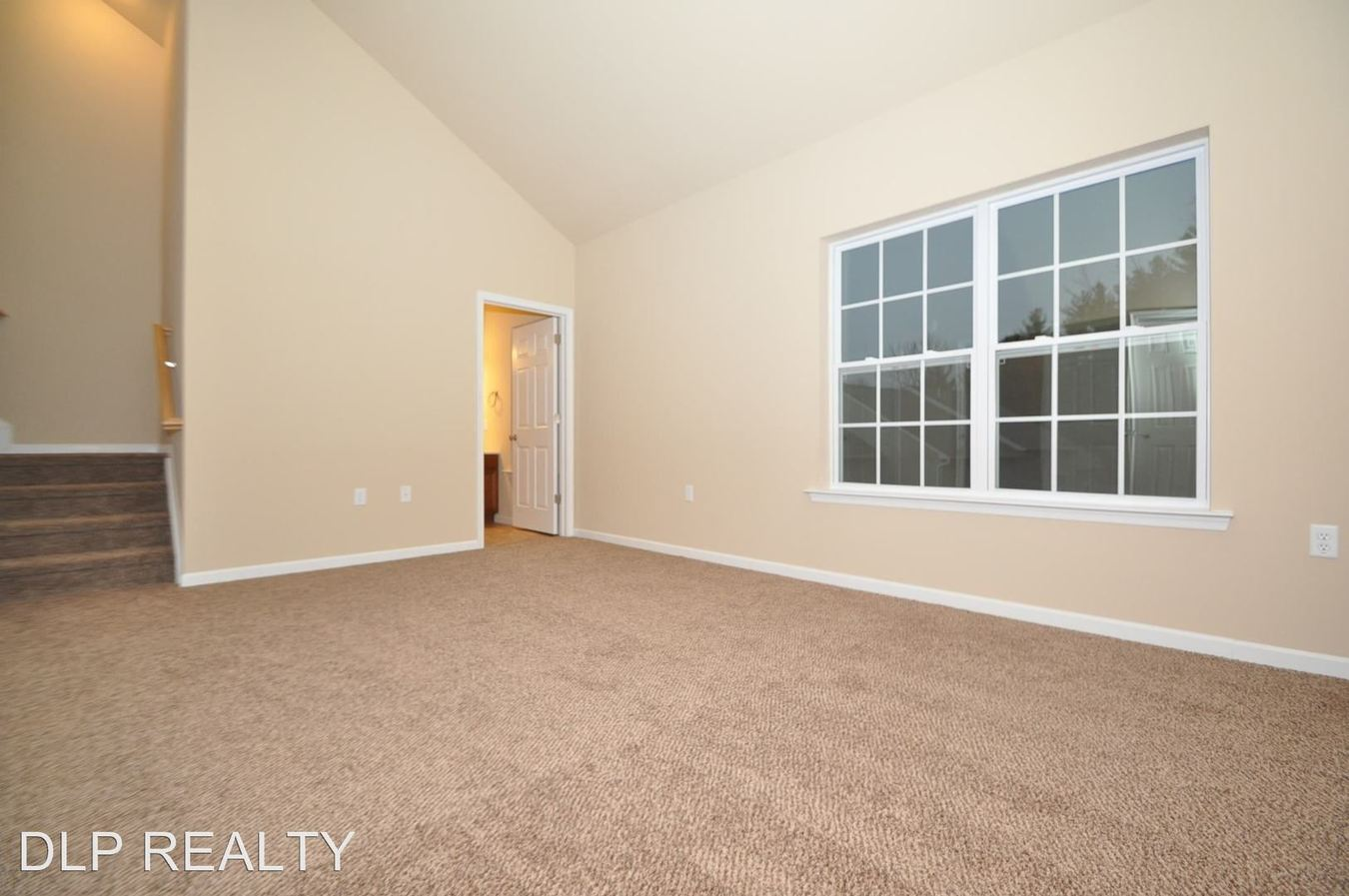 3 Bedrooms 2 Bathrooms Apartment for rent at 305 Cervina Court in East Stroudsburg, PA