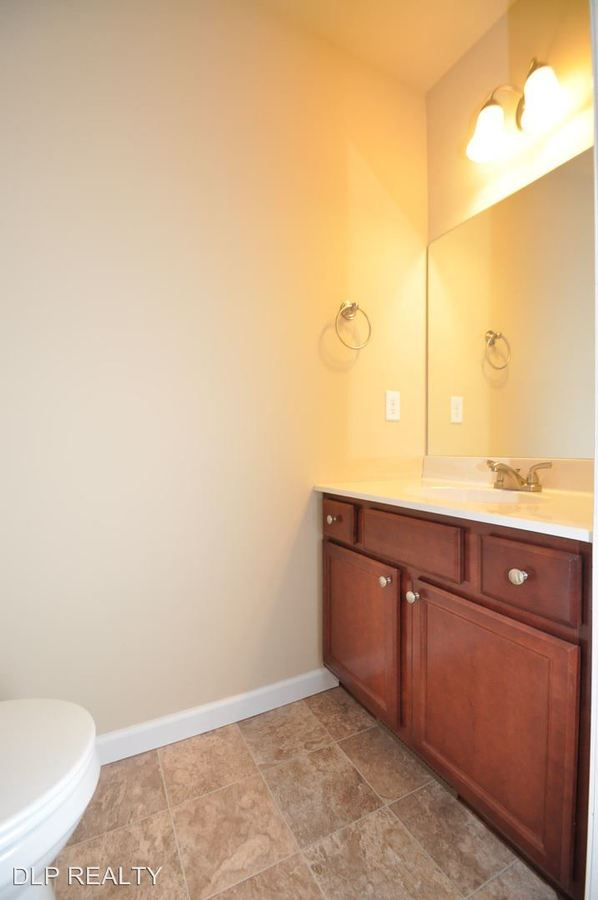 3 Bedrooms 3 Bathrooms Apartment for rent at 305 Cervina Court in East Stroudsburg, PA