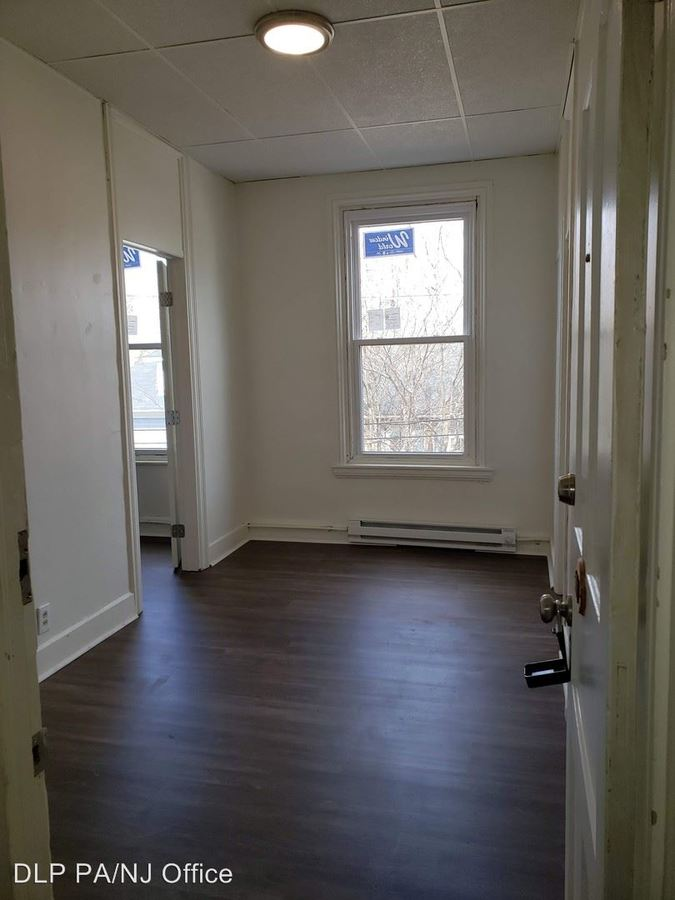 1 Bedroom 1 Bathroom Apartment for rent at 110-118 E Center Street in Nazareth, PA