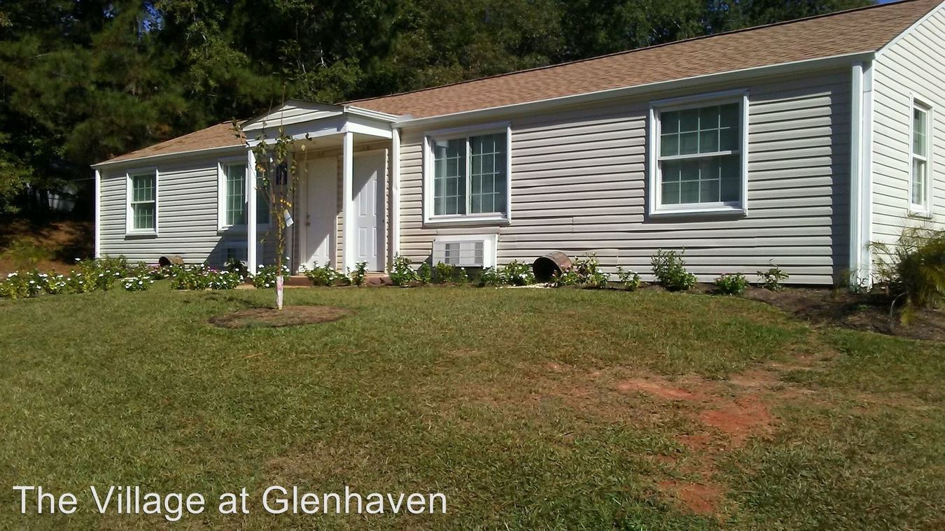 2 Bedrooms 1 Bathroom Apartment for rent at 207 New Market Street in Greenwood, SC