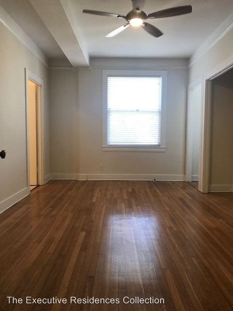 Studio 1 Bathroom Apartment for rent at 35 N. Alboni Place in Long Beach, CA