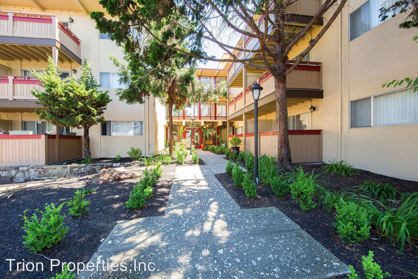 1 Bedroom 1 Bathroom Apartment for rent at 77 & 85 Estabrook St. in San Leandro, CA