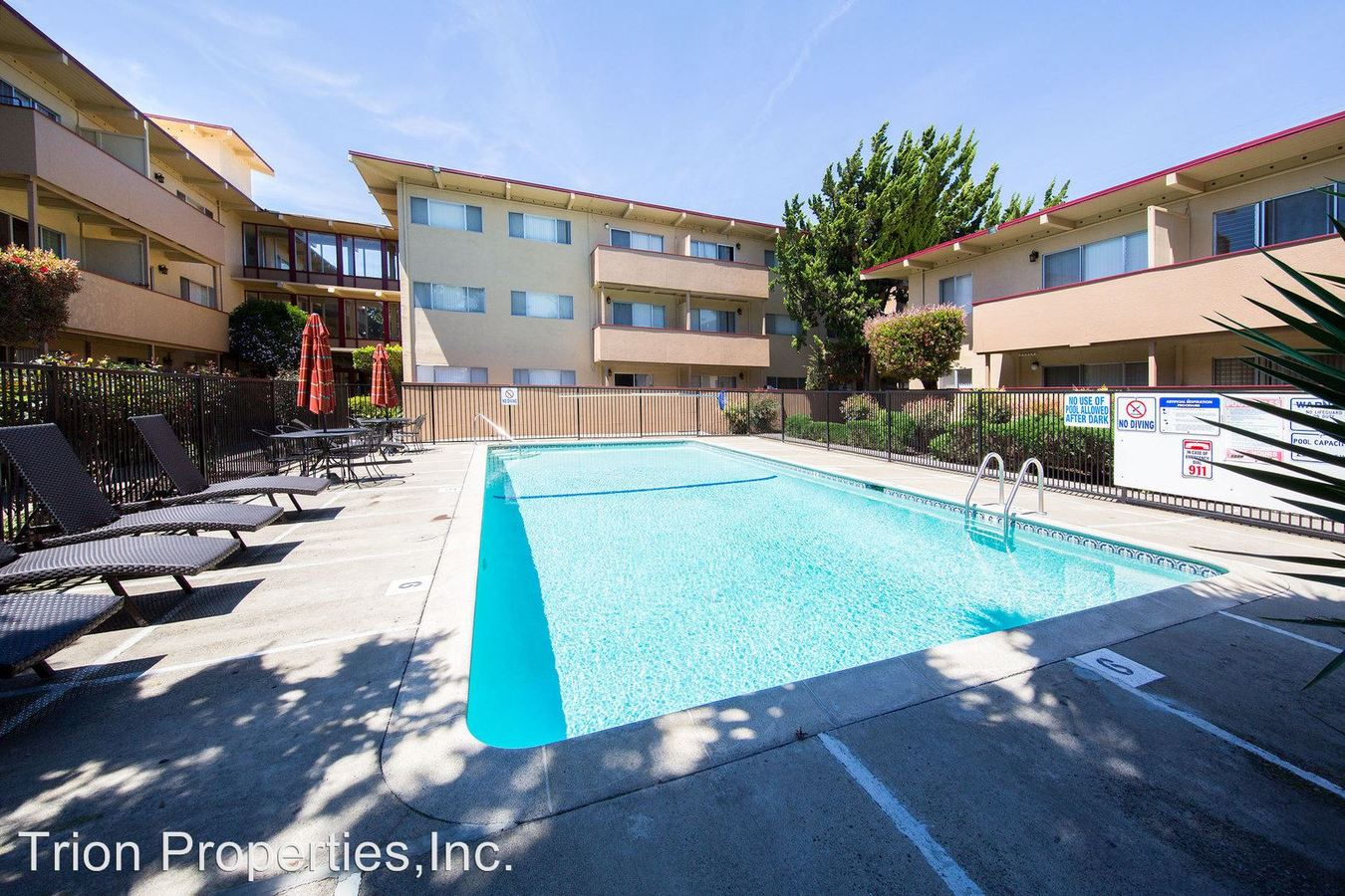 2 Bedrooms 2 Bathrooms Apartment for rent at 77 & 85 Estabrook St. in San Leandro, CA