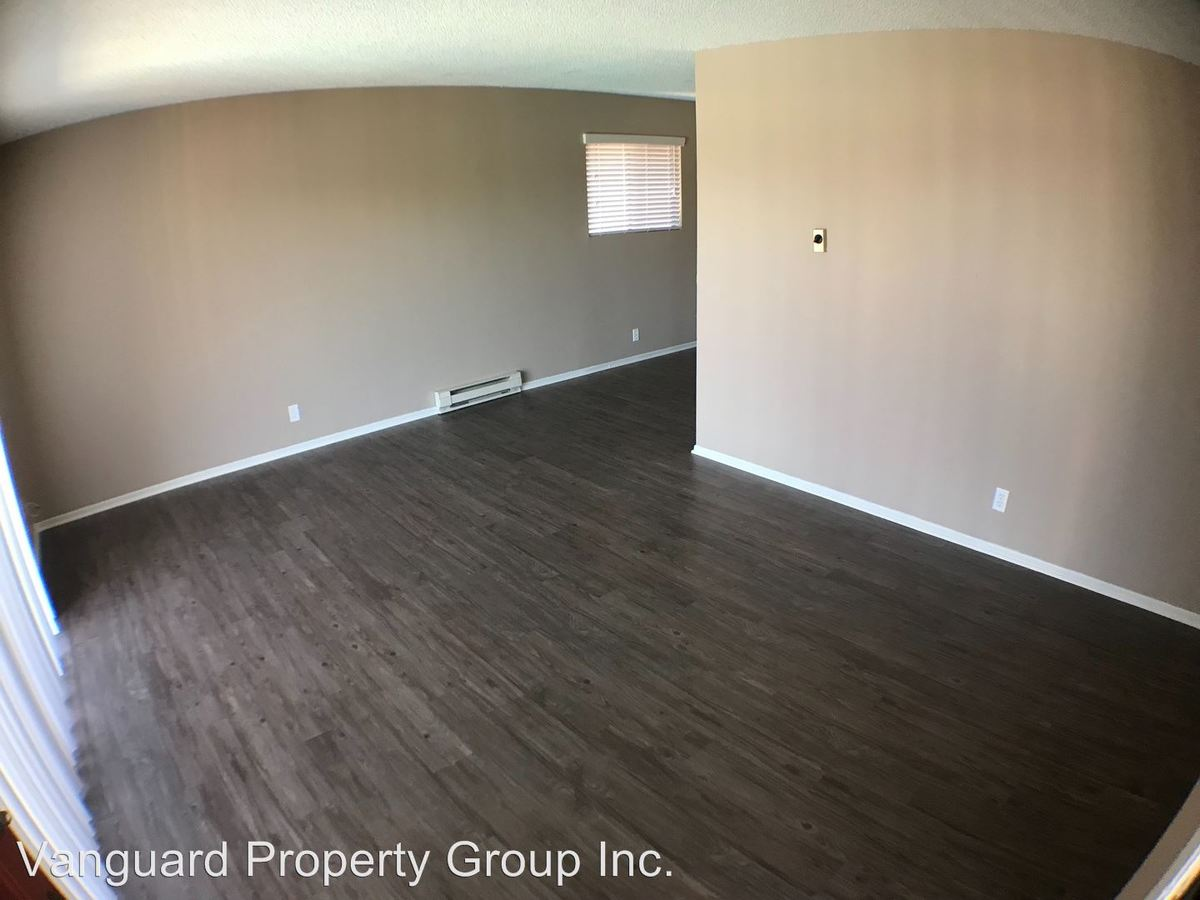 2 Bedrooms 1 Bathroom Apartment for rent at 2440-2450 N. Harbor Blvd. in Fullerton, CA