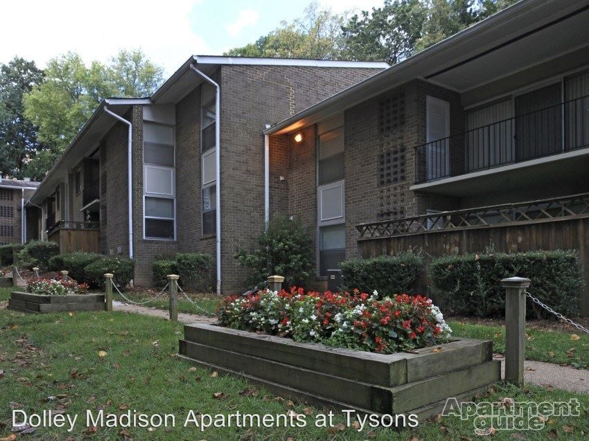2 Bedrooms 1 Bathroom Apartment for rent at 1805 Wilson Lane Rental Office in Mclean, VA
