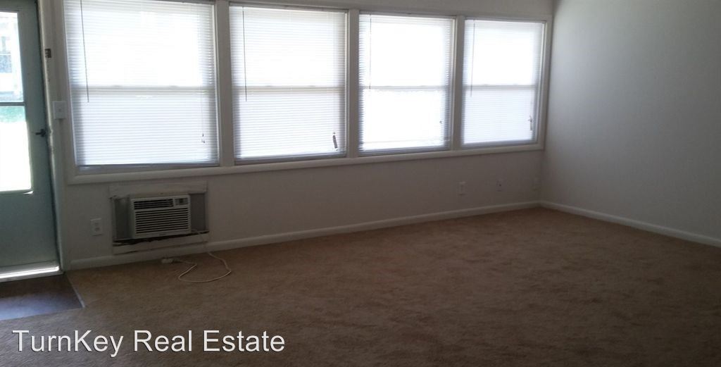 3 Bedrooms 1 Bathroom Apartment for rent at 1438 E Elm Street in Springfield, MO