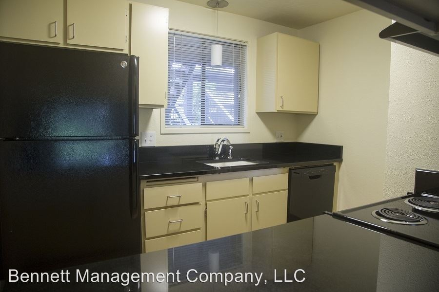 2 Bedrooms 2 Bathrooms Apartment for rent at 1800 Cal Young Rd in Eugene, OR