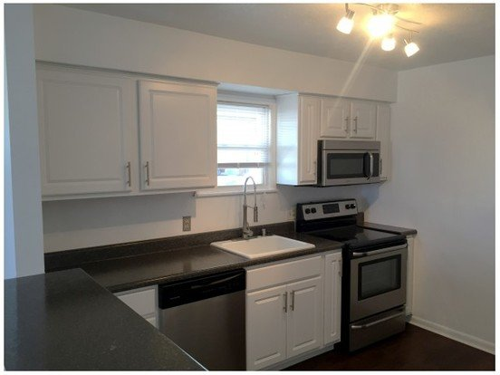 2 Bedrooms 1 Bathroom Apartment for rent at Walnut Courts in Springfield, MO