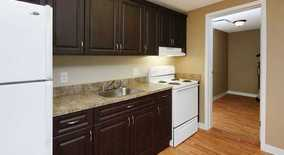 Acadia Court Apartment for rent in Bloomington, IN