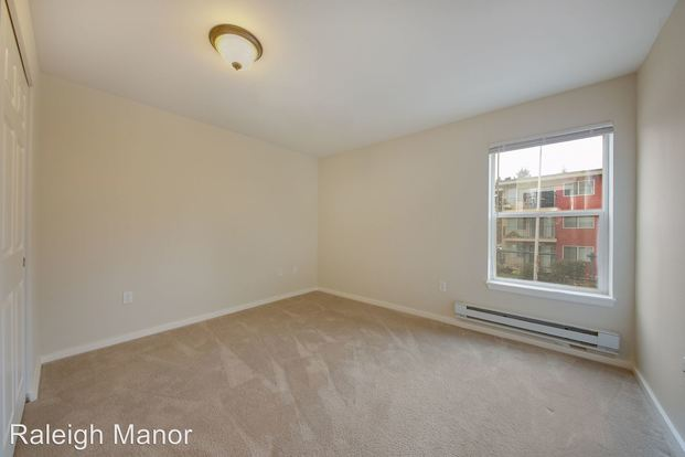 1 Bedroom 1 Bathroom Apartment for rent at 12000 15th Ave Ne in Seattle, WA