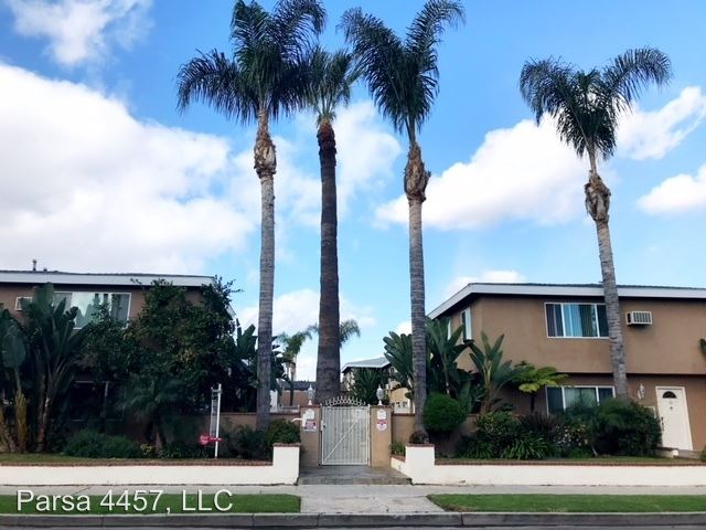 2 Bedrooms 1 Bathroom Apartment for rent at 4457 & 4463 Murietta Avenue in Sherman Oaks, CA