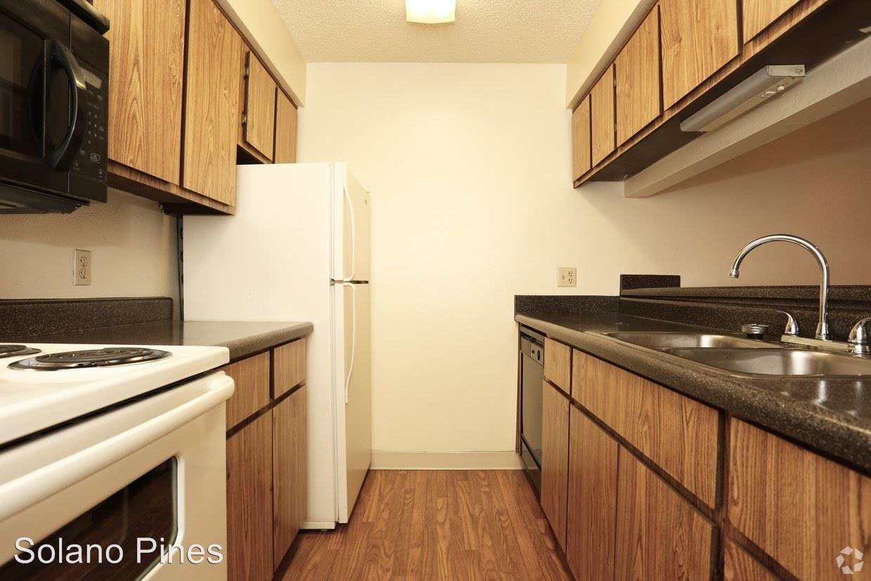 2 Bedrooms 2 Bathrooms Apartment for rent at 17840 N Black Canyon Hwy in Phoenix, AZ