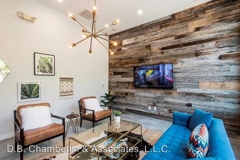 Studio 1 Bathroom Apartment for rent at 222 W. Clarendon Ave in Phoenix, AZ