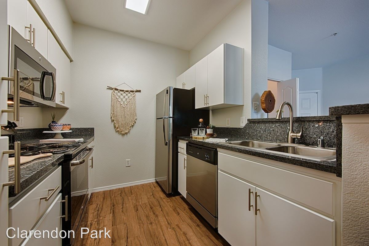 Studio 1 Bathroom Apartment for rent at 222 W. Clarendon Ave in Phoenix, AZ